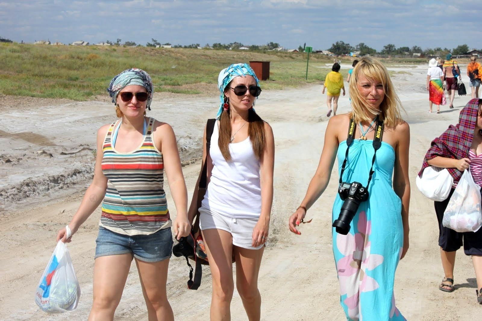 Фото старухи на пляже 26 фотография